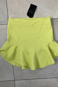 Zara limonkowa spódniczka mini z falbanką...