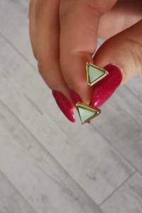 Nowe kolczyki wkręty trójkąty miętowe złote...