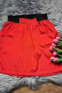 czerwona spódniczka Vero Moda...