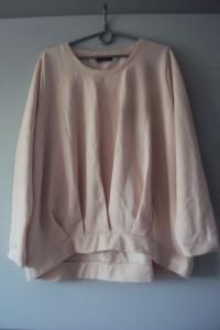 asymetryczna dresowa bluza