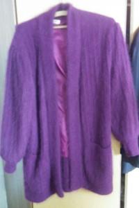 sprzedam śliczny sweter z angorki...