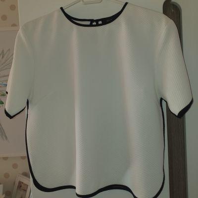 Bluzki Bluzka kremowa rozmiar M