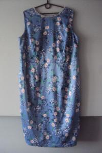 elegancka sukienka z perełkami...