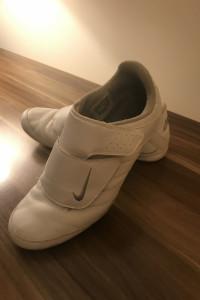 Nike Damskie rozmiar 41 wkładka 26cm...