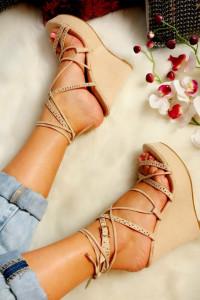 Koturny sandały beżowe 40 wiązane sznurowane NUDE idealne do jeansy dżinsy sukienka hiszpanka