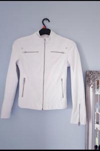 Biała przejściowa kurtka...