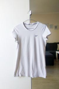 Biały tshirt Nike S...