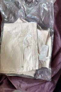 Nowe spodnie perłowe delikatnie różowe rozmiar 50...