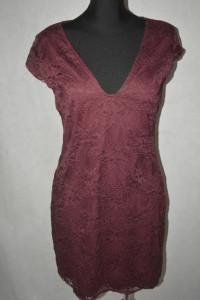 3 Elastyczna sukienka koronkowa Divided 44...