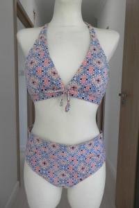 Strój Kąpielowy Bikini Trójkątne Miseczki Pastelowe Kolory by UK 40