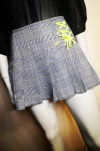 Krótka mini spódniczka w kratkę rozmiar 40...