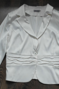 Żakiet biały oryginalny 48...