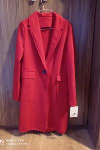 Czerwony płaszcz...