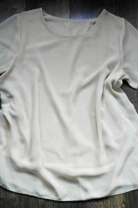 Bluzeczka beżowa letnia 48...