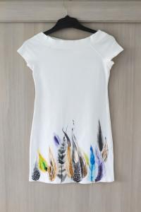 Biała bluzka tunika ręcznie malowane kolorowe pióra S 36...