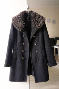 Płaszcz dwurzędowy C&A z futerkiem XS...