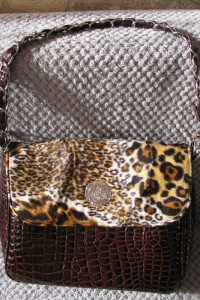 lakierowana brązowa torebka skóra węża i cętki...