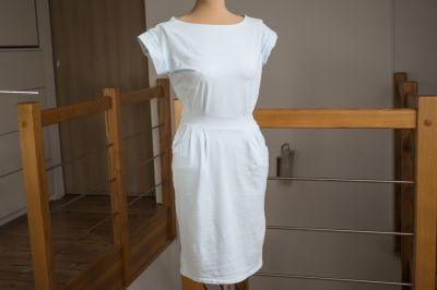 Suknie i sukienki Błękitna sukienka taliowana z kieszeniami 36 S