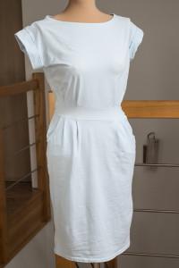 Błękitna sukienka taliowana z kieszeniami 36 S...