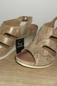 Złote sandały ARS 37