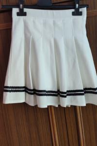 biała plisowana spódniczka...