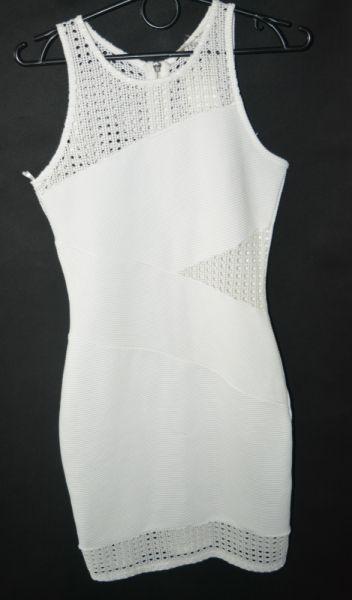 Suknie i sukienki f Elastyczna sukienka Miss Selfridge 36