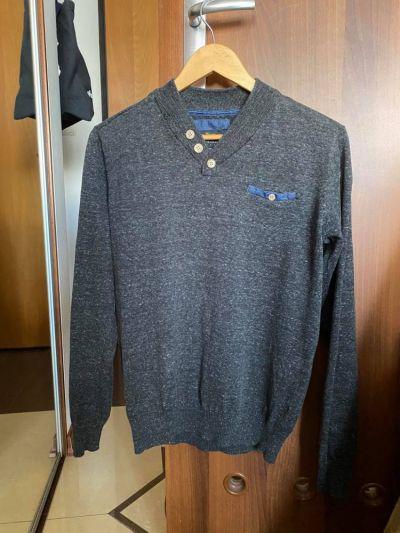 Swetry Męski sweter szary grafitowy melanż Reserved w serek rozmiar S