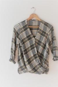 Stylowa koszula w kratkę s...