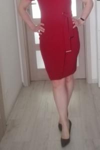 Piękna elegancka sukienka...