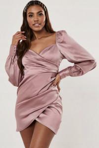 sukienka satynowa brudny róż różowa milkmaid z bufiastymi rękaw...