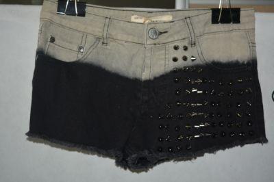 Spodenki 3 Jeansowe spodenki z nitami Glamorous 38