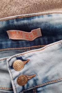 Spodenki jeansowe rozm 42 firma Miss RJ...