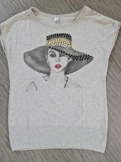 Bluzki Dzianinowa bluzka z kobietą