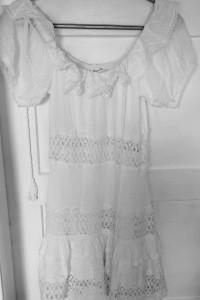 Letnia koronkowa sukienka...