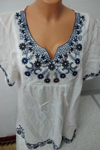 bawełniana bluzka z granatowym haftem rozmiar XXL...