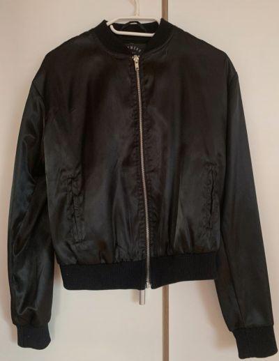 Odzież wierzchnia Czarna bluza bomberka Cropp