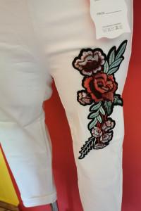 Spodnie rybaczki leginsy hafty kwiaty...