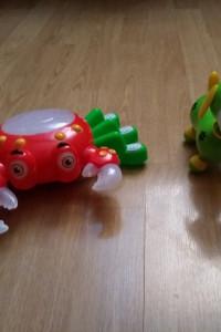 Zabawki interaktywne krab i piesek...