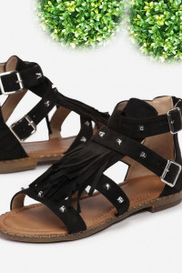 Czarne sandały z frędzlami 39...