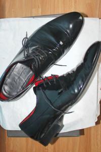 Buty męskie czarne lakierki