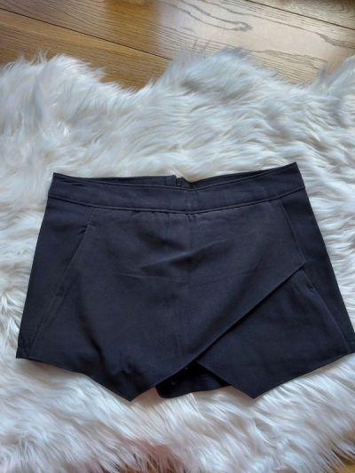 Spodenki Czarne spódnico spodnie XS 34 Terranova