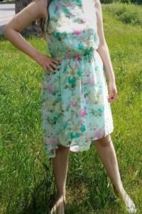 Sukienka na lato szyfonowa zwiewna miętowy kolor w kwiaty XL...