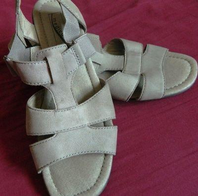 Sandały Medicus skórzane sandały 39 i 25cm