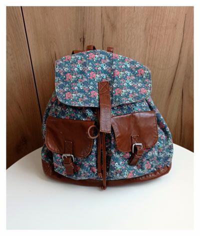 Plecaki Plecak w kwiaty floral