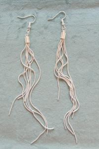 Nowe kolczyki długie wiszące eleganckie srebrny kolor