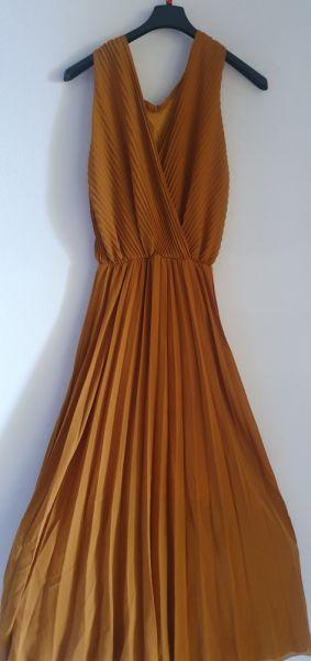Suknie i sukienki Musztardowa suknia