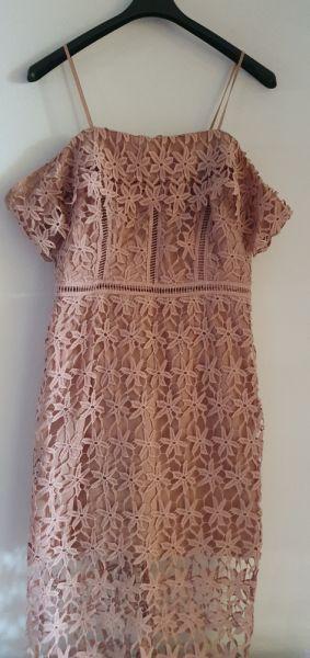 Suknie i sukienki Sukienka z gipiury koronkowa