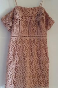 Sukienka z gipiury koronkowa...