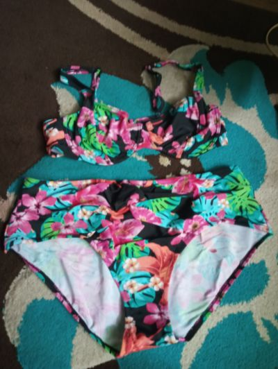 Stroje kąpielowe Kolorowe bikini 42