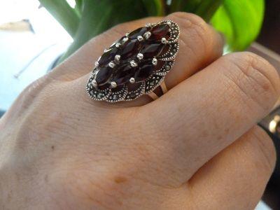 Pierścionki pierścionek srebrny granaty i markazyty
